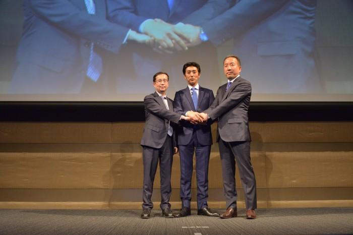 14635828515月18日阿里巴巴集团CEO张勇在日本东京宣布启动日本招商中心、阿里日本CEO香山诚、MTG社长松下刚也作为上台代表共同见证